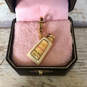 Juicy Couture Malibu Gold Tanning Oil Gold Charm ✨